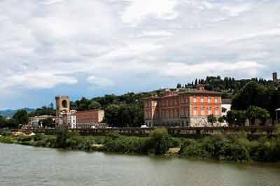 Lungarno Torrigiano - Piazza Poggi